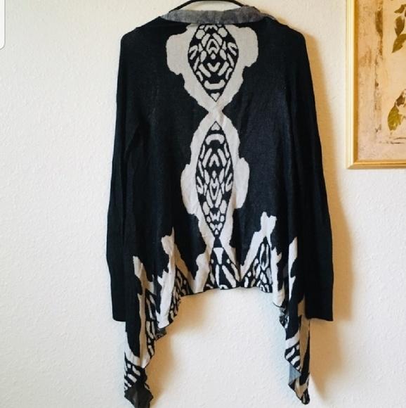 BKE Sweaters - BKE Boutique Size M